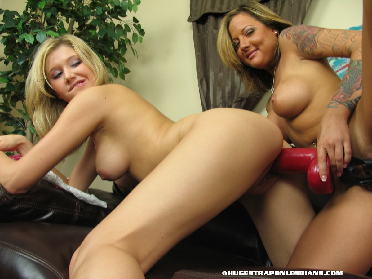 Lesbians with strap on